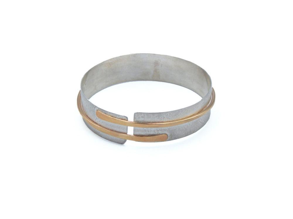 Swift current bracelet